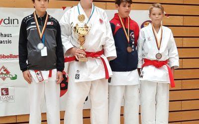 Alexander Albien erkämpft 3.Platz auf Banzai-Cup in Berlin * 5 Karate-ka bei Deutsche Meisterschaft in Berlin