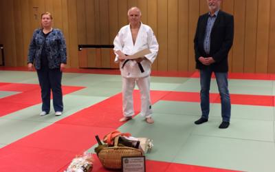 TuS Huchting und der BJV (Bremer Judo Verband) ehren Hermann Kaps für seine  Verdienste im Judo und Jiu Jitsu