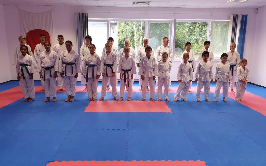 Erfolgreiche Gürtelprüfungen beim Karate